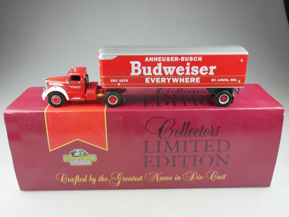 DYM38233 Diamond T Budweiser - 47041