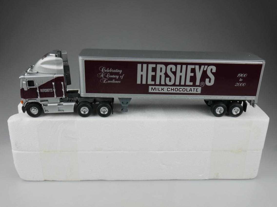 DYM38277 Freightliner Hershey's - 47043