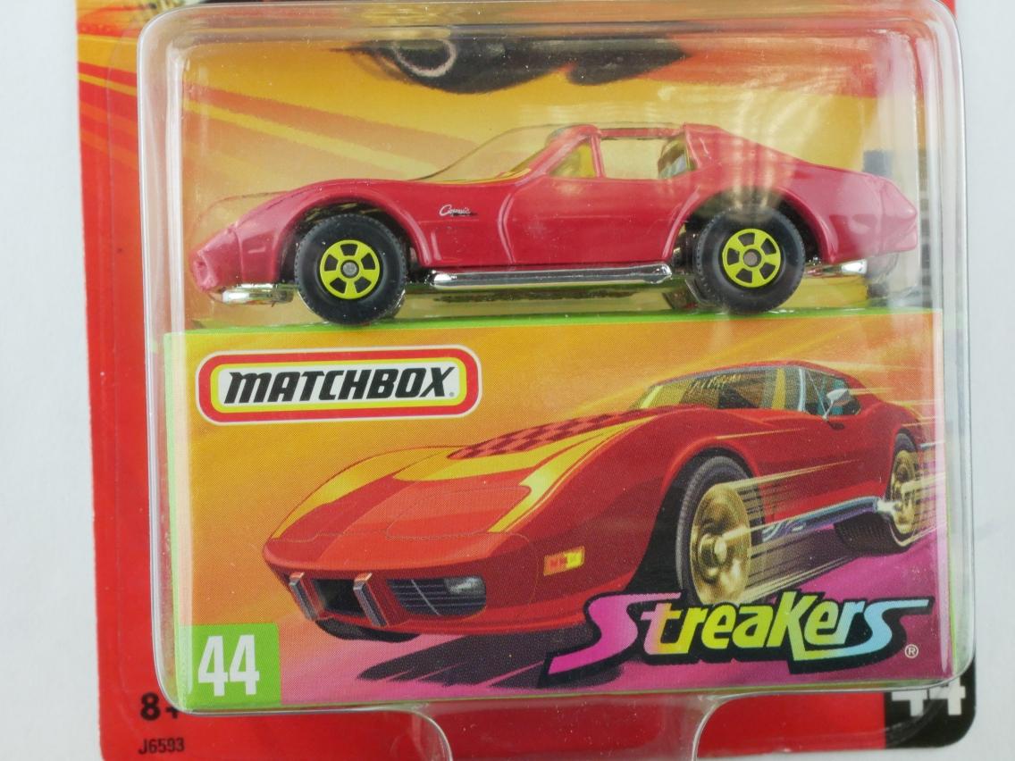 44 1976 Corvette - 10844