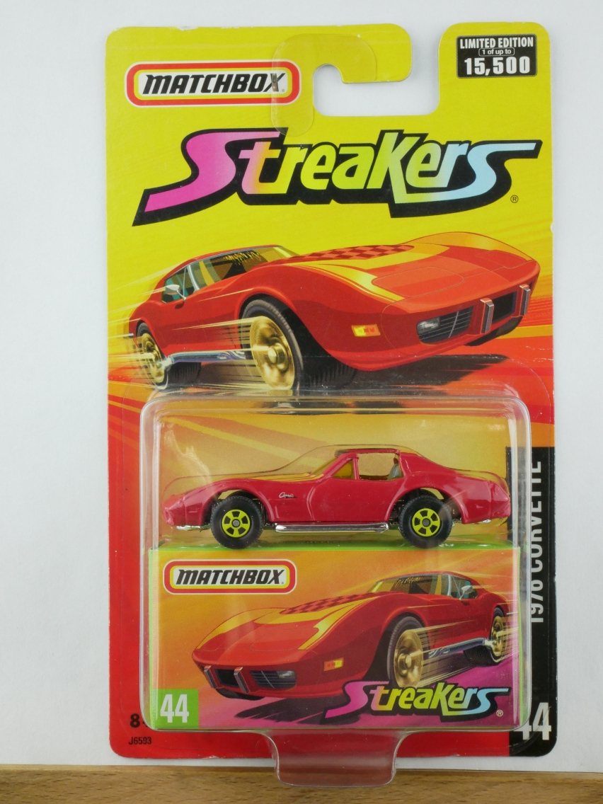 44 1976 Corvette Streakers - 10844