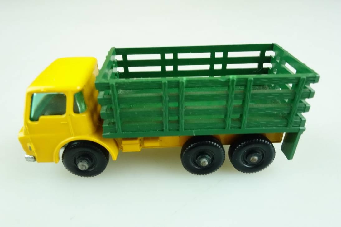 04d Dodge Stake Truck - 35384
