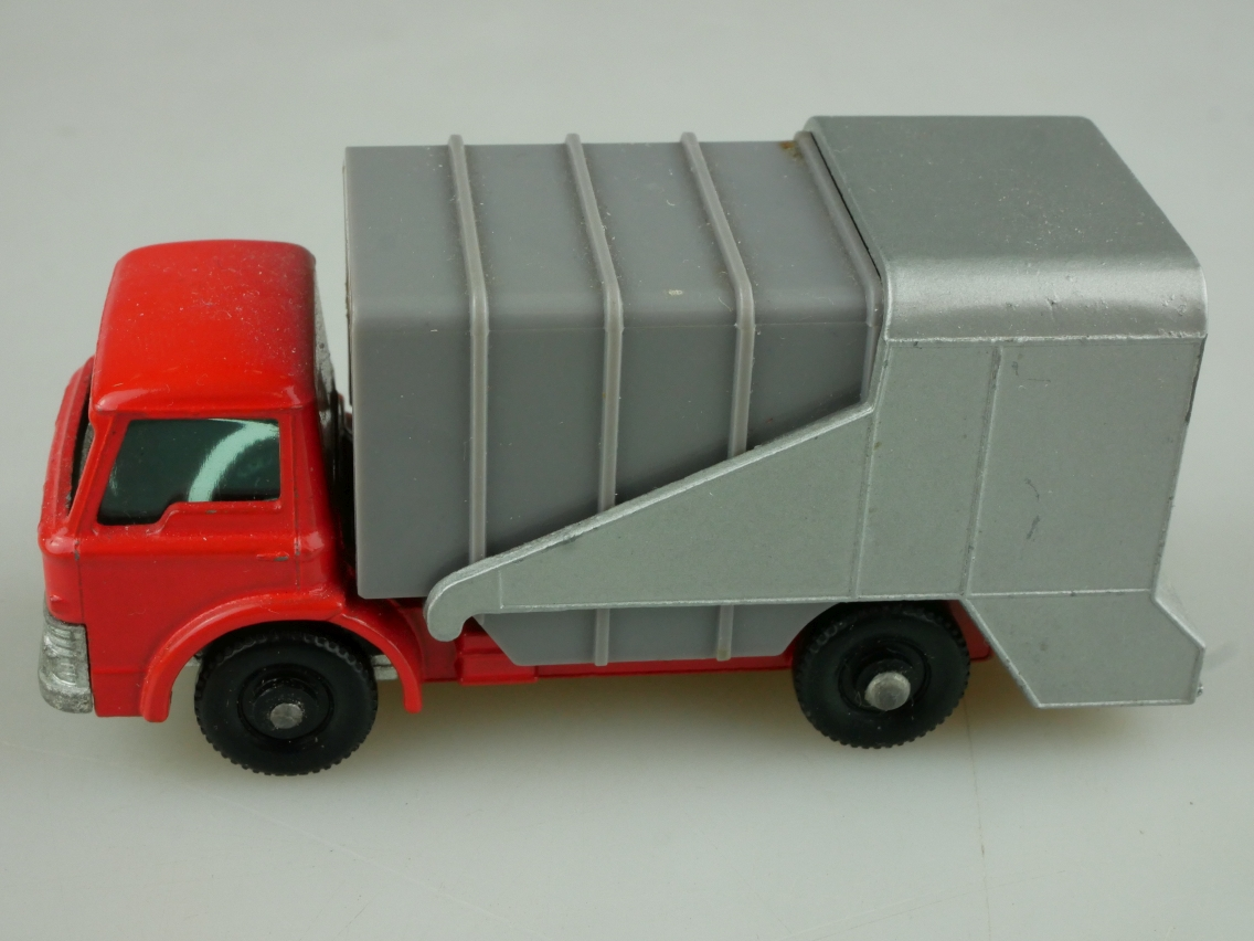 07c Ford Refuse Truck - 36031