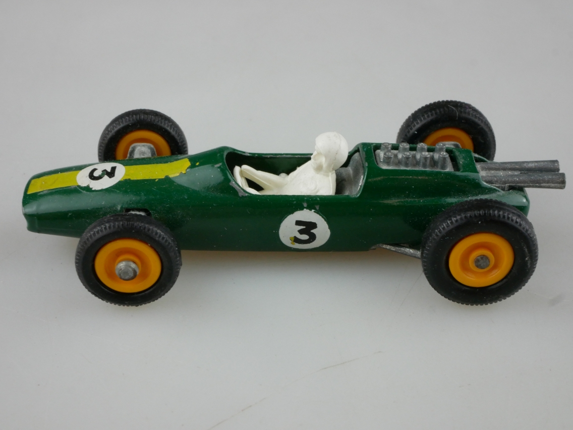 19d Lotus Racing Car - 36047