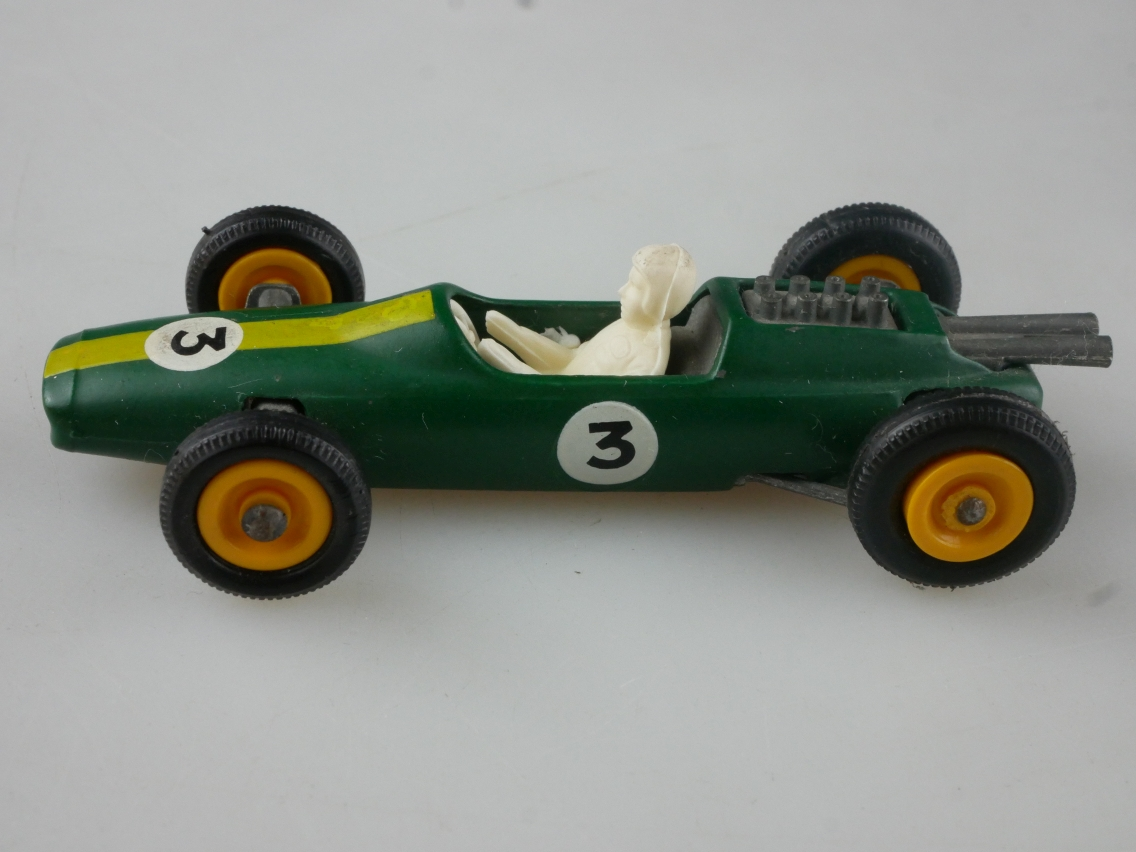 19d Lotus Racing Car - 36172