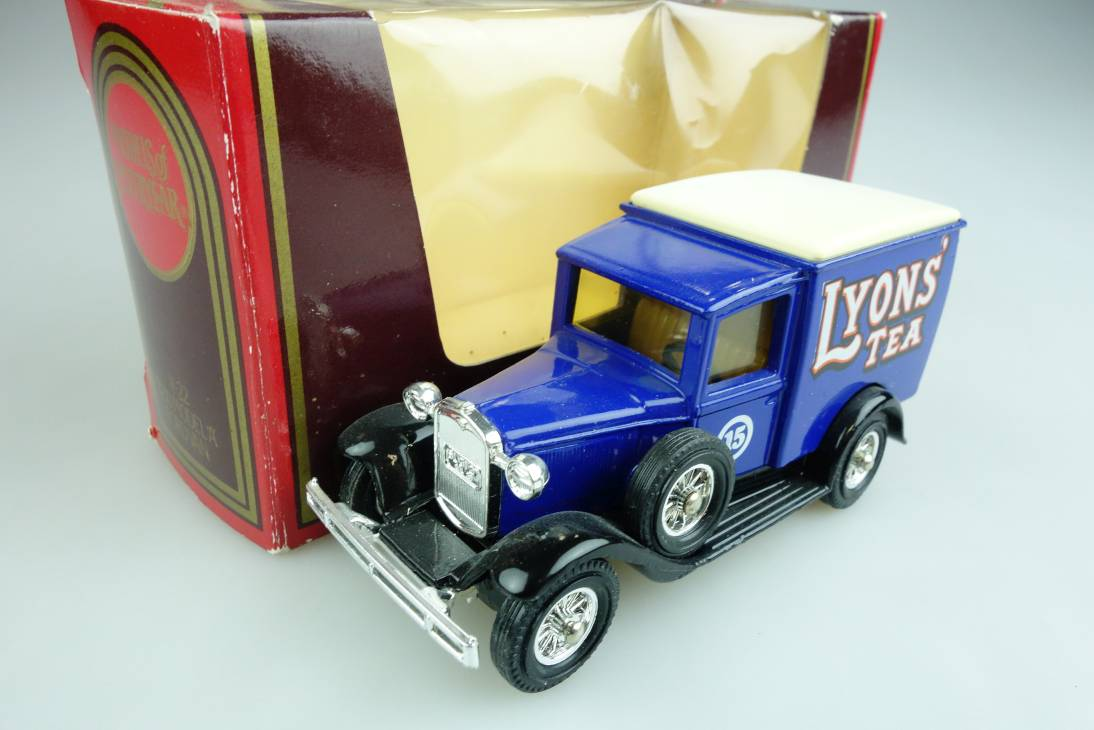 Y-22-1 1930 Ford A Lkw LYONS' TEA - 40391