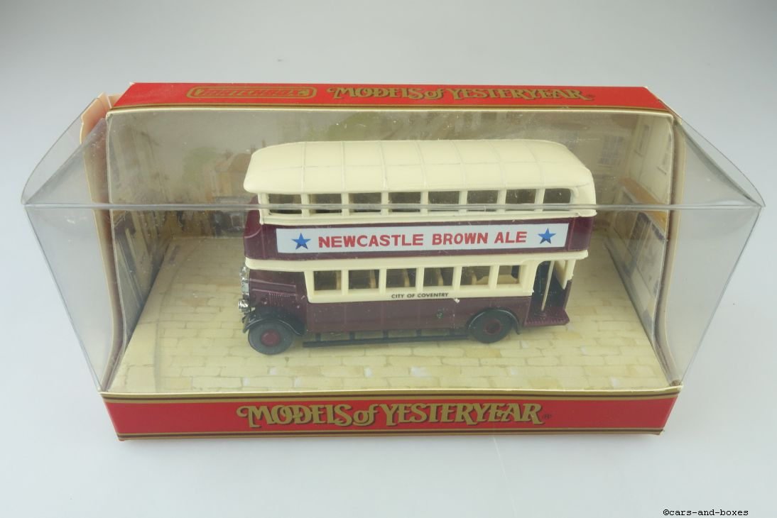 Y-05-5 1930 Leyland Titan Bus Newcastle Brown Ale - 43232