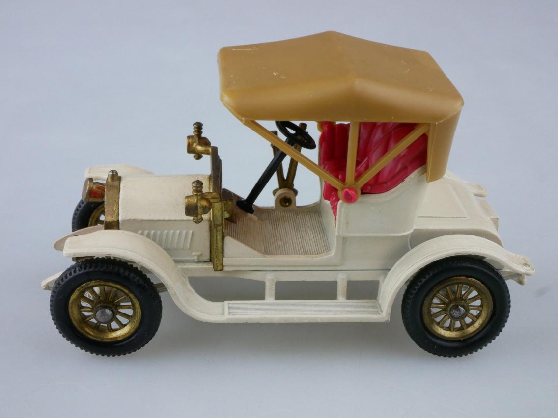 Y-02-3 1914 Vauxhall - 45222