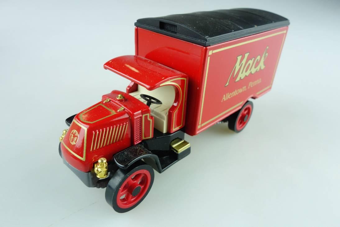 YY030A/SA 1920 Mack AC Lkw Mack - 47081