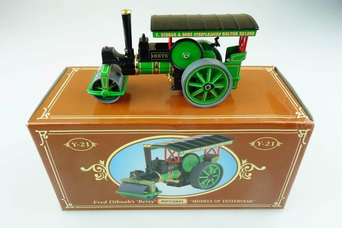 YY21B/SB Aveling & Porter Steam Roller 1894 Fred Dibnah - 47133