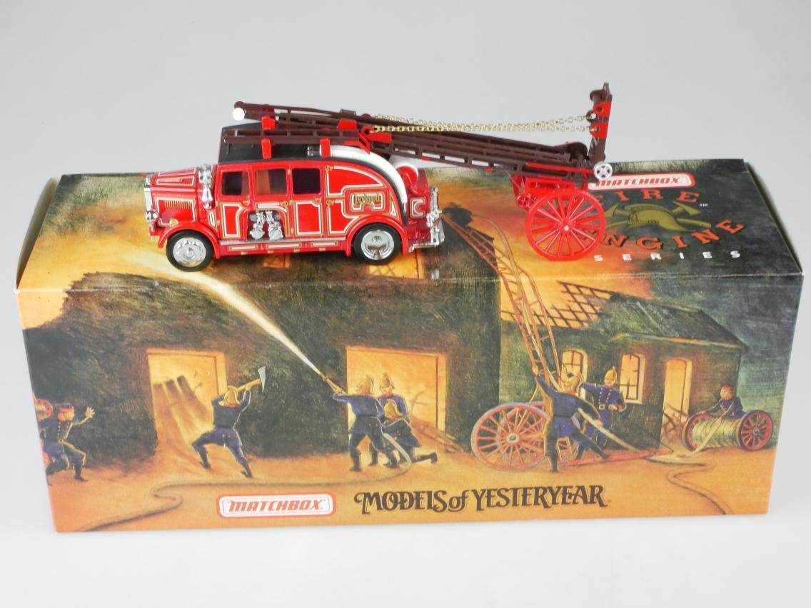 YFE08 1936 Leyland Cub Feuerwehr - 47259