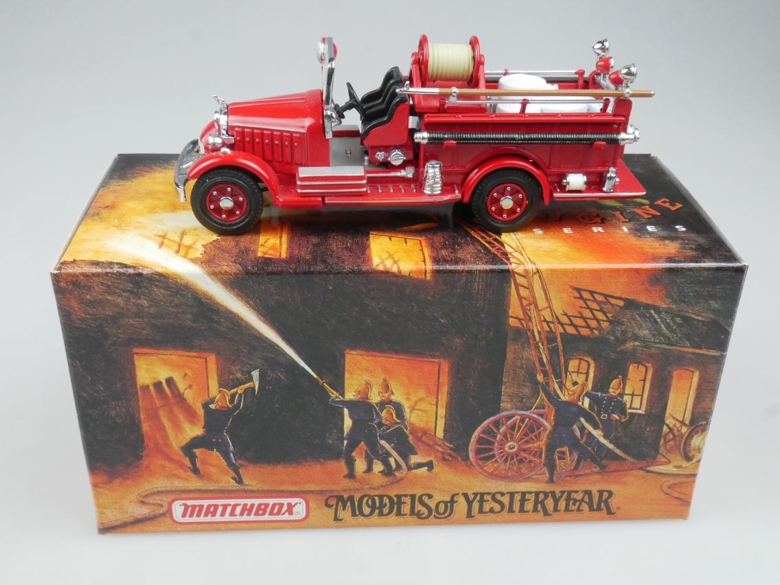 YFE15  1935 Mack Pumper Feuerwehr - 47266