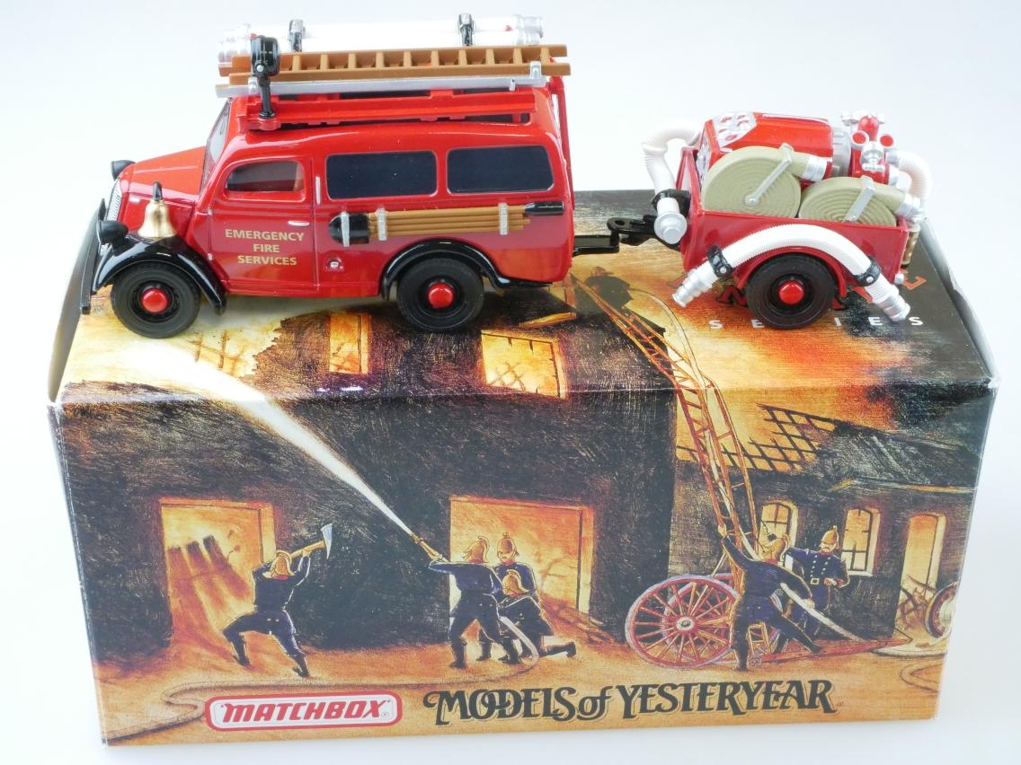 YFE18 1950 Ford E83W mit Hänger Feuerwehr - 47269