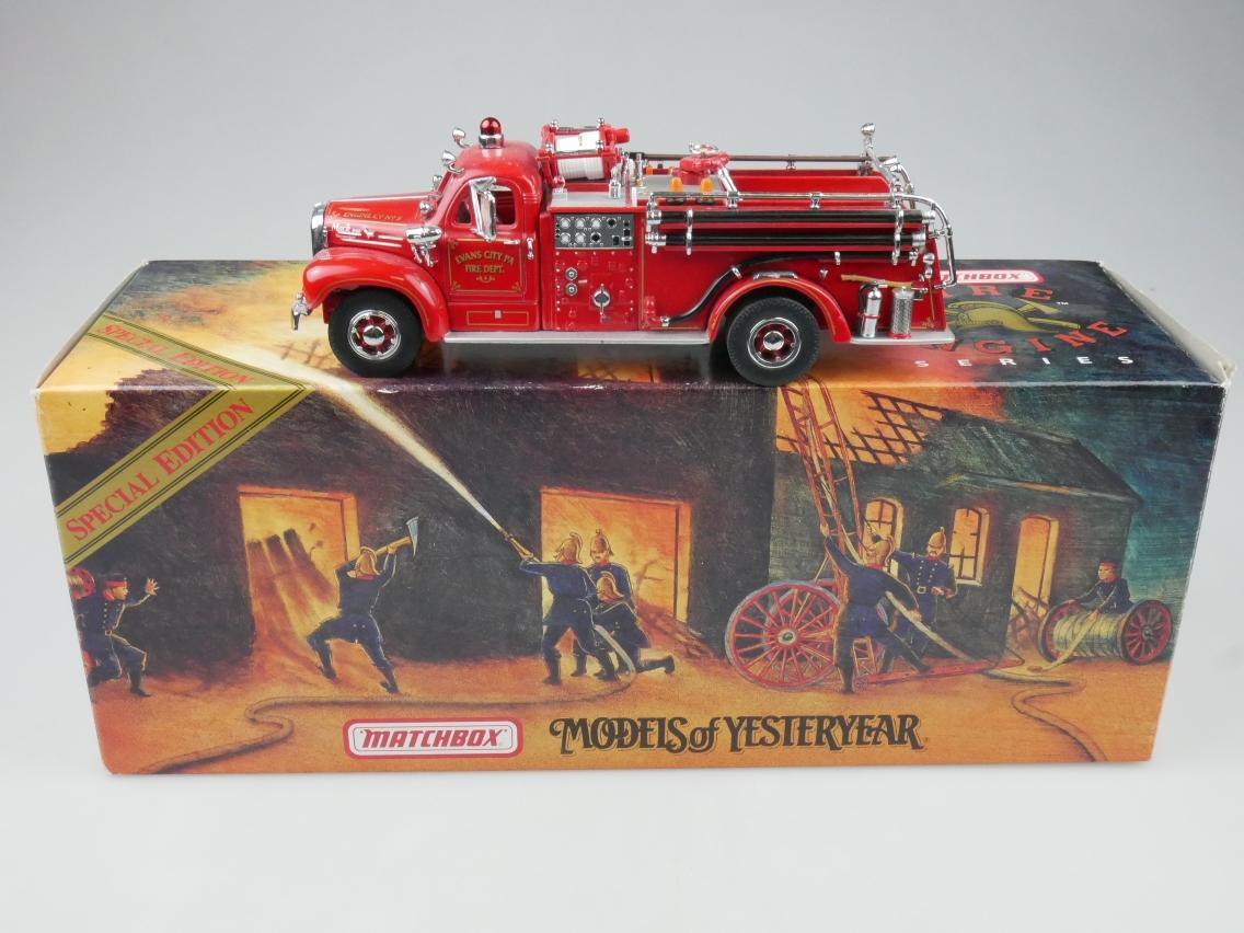 YYM35810 1956 Mack B-95 Feuerwehr - 47293