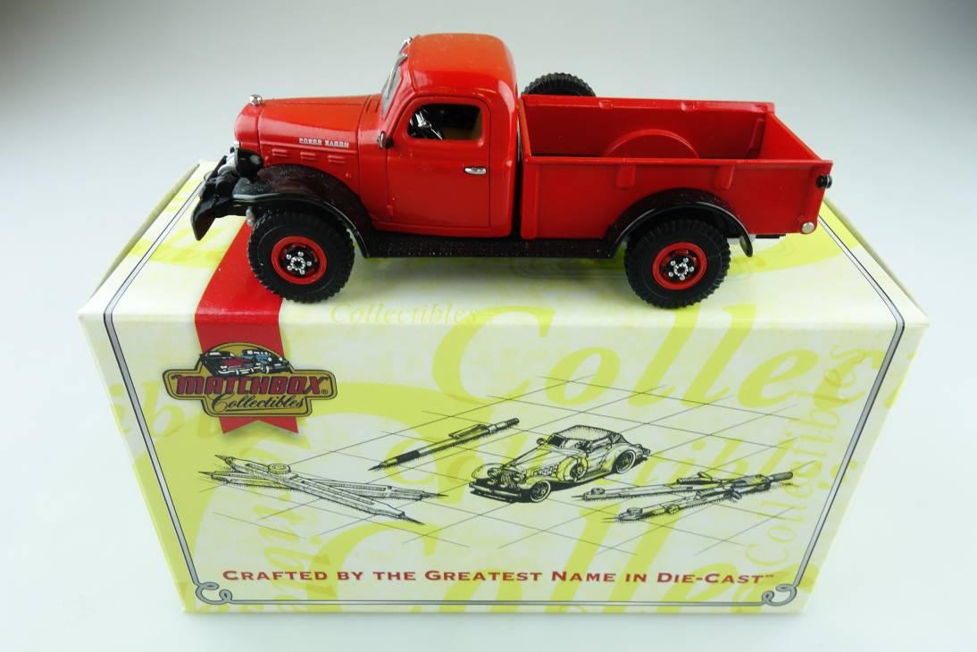 YYM35053 1946 Dodge Power Wagon dunkelrot - 47357