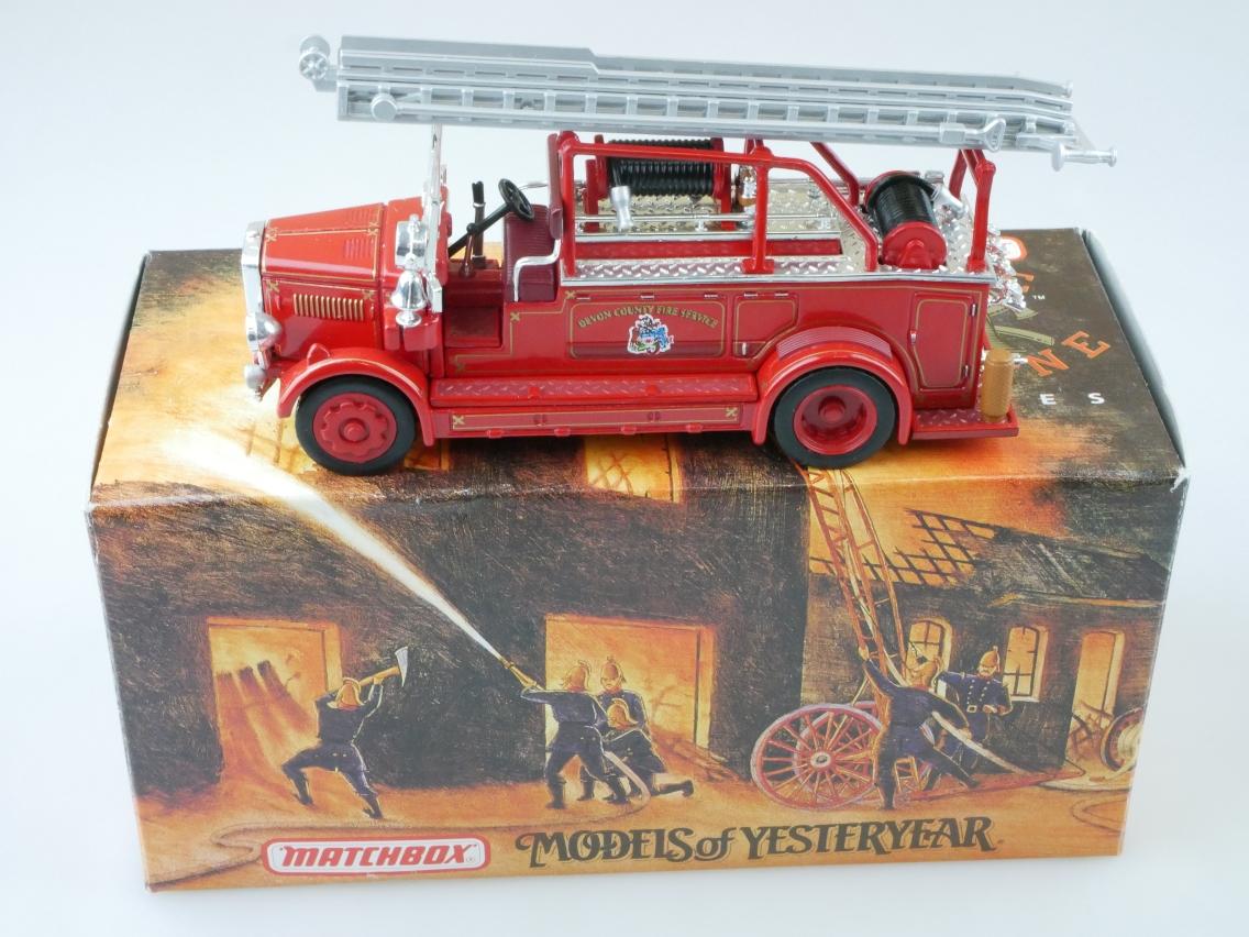 YYM37635 1935 Leyland Cub Feuerwehr - 47524