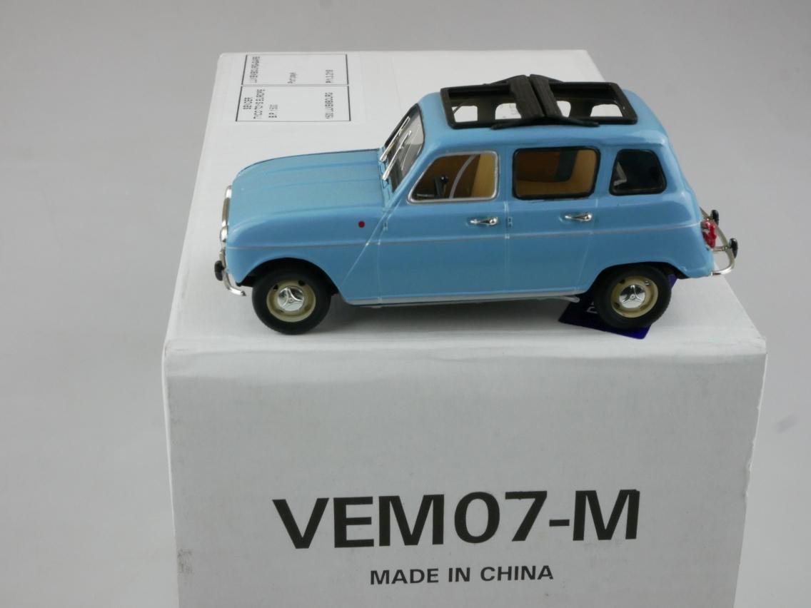 VEM07 1962 Renault 4L blau - 47644