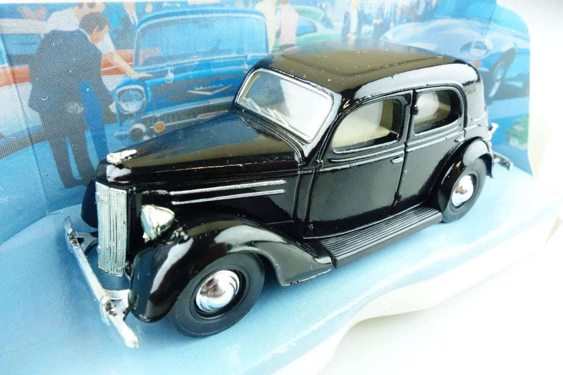 05a 1950 Ford V8 Pilot - 49168