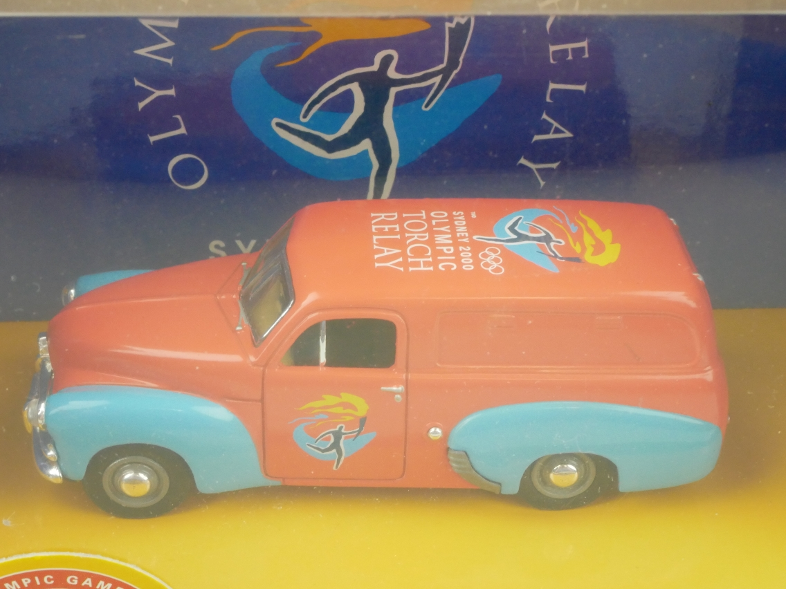 YYM38336 1955 Holden FJ/2104 orange/blau
