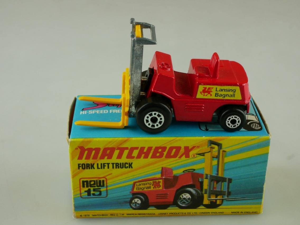 15-B Fork Lift Truck - 50011