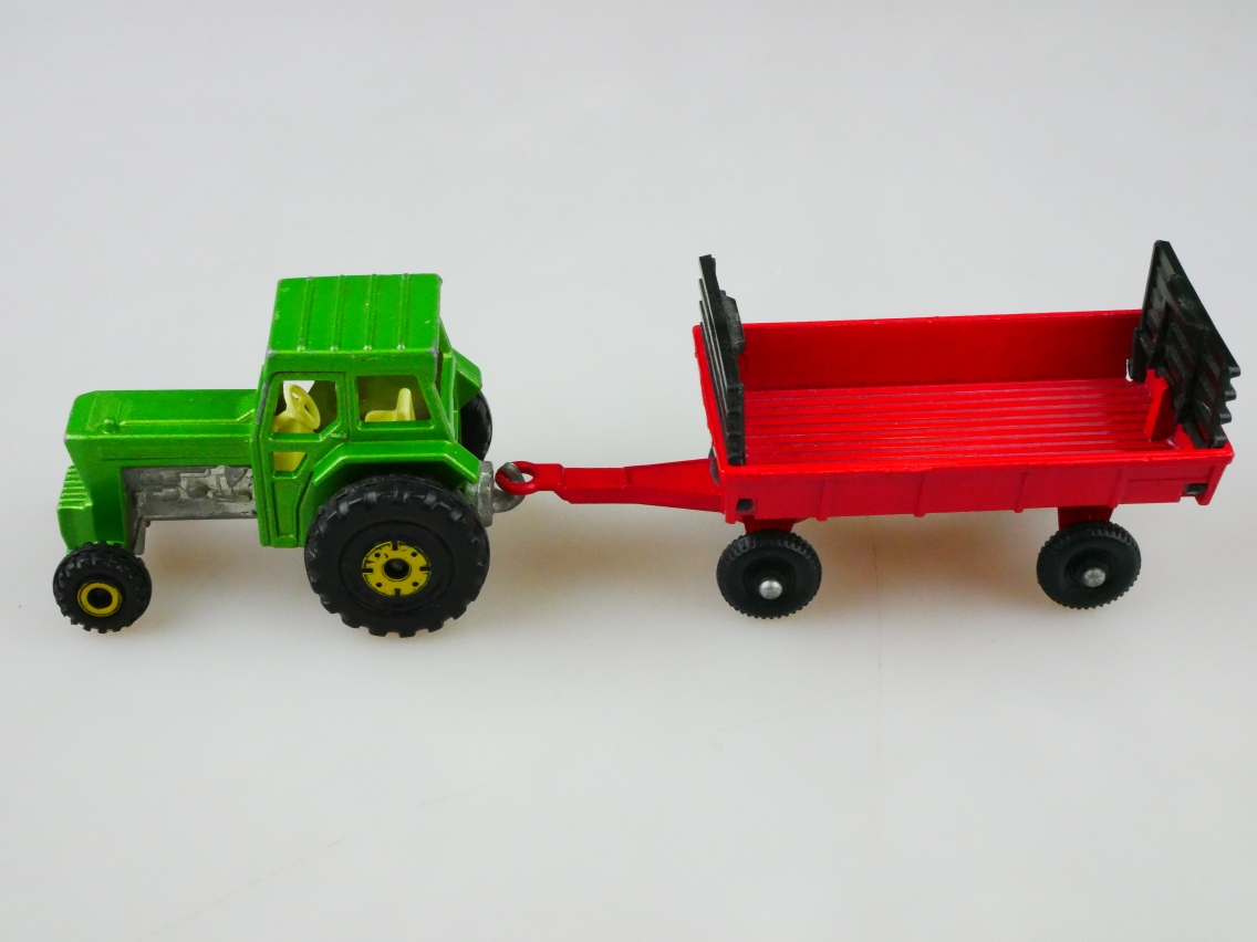 TP-011B Ford Tractor & Hay Trailer - 59131