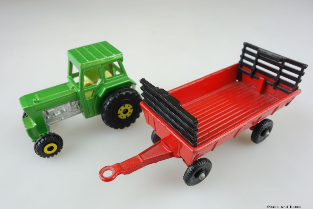 TP-011B Ford Tractor & Hay Trailer - 59818