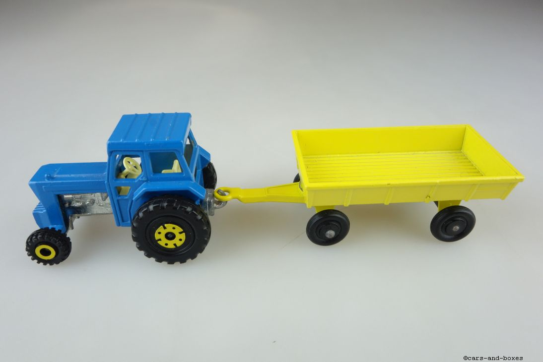 TP-011B Ford Tractor & Hay Trailer - 59904
