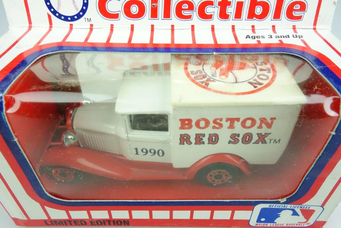 Ford Model 'A' Van (38-E/76-C) MLB 90-02 Boston Red Sox - 64638