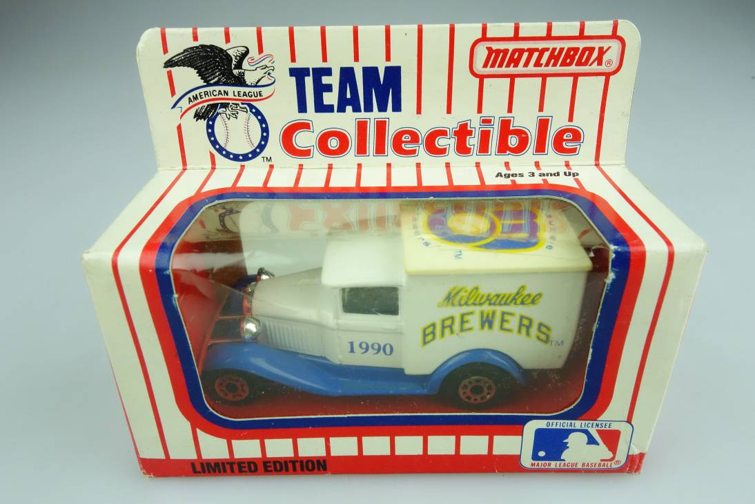 Ford Model 'A' Van (38-E/76-C) MLB 90-08 Milwaukee Brewers - 64644