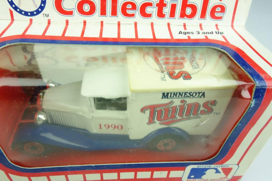 Ford Model 'A' Van (38-E/76-C) MLB 90-09 Minnesota Twins - 64645
