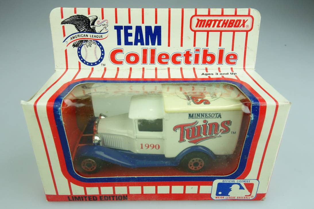 Ford Model 'A' Van (38-E/76-C) MLB 90-09 Minnesota Twins - 64645