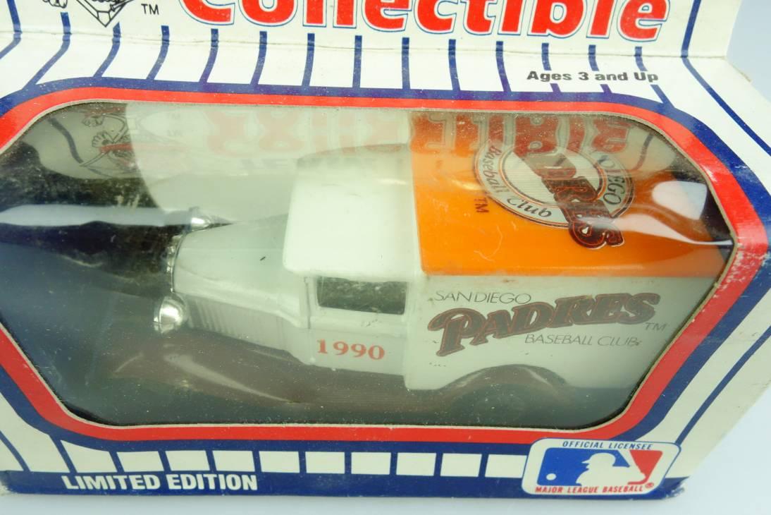 Ford Model 'A' Van (38-E/76-C) MLB 90-25 San Diego Padres - 64659