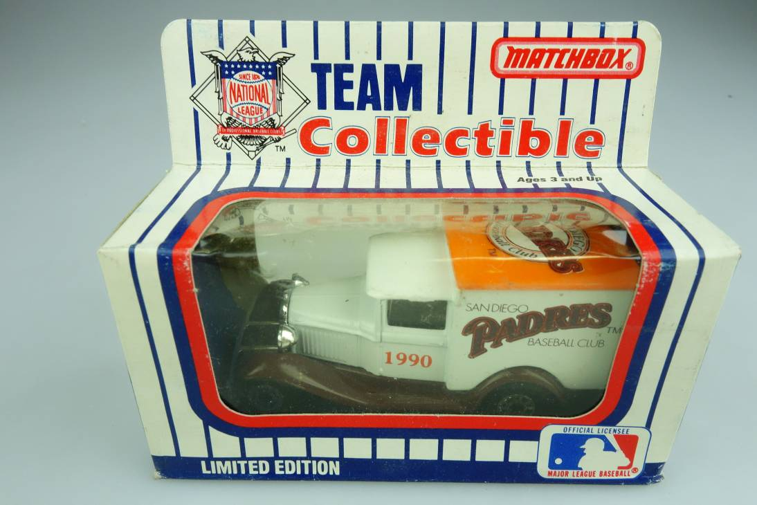 Ford Model 'A' Van (38-E/76-C) MLB 90-25 San Diego Padres - 64659