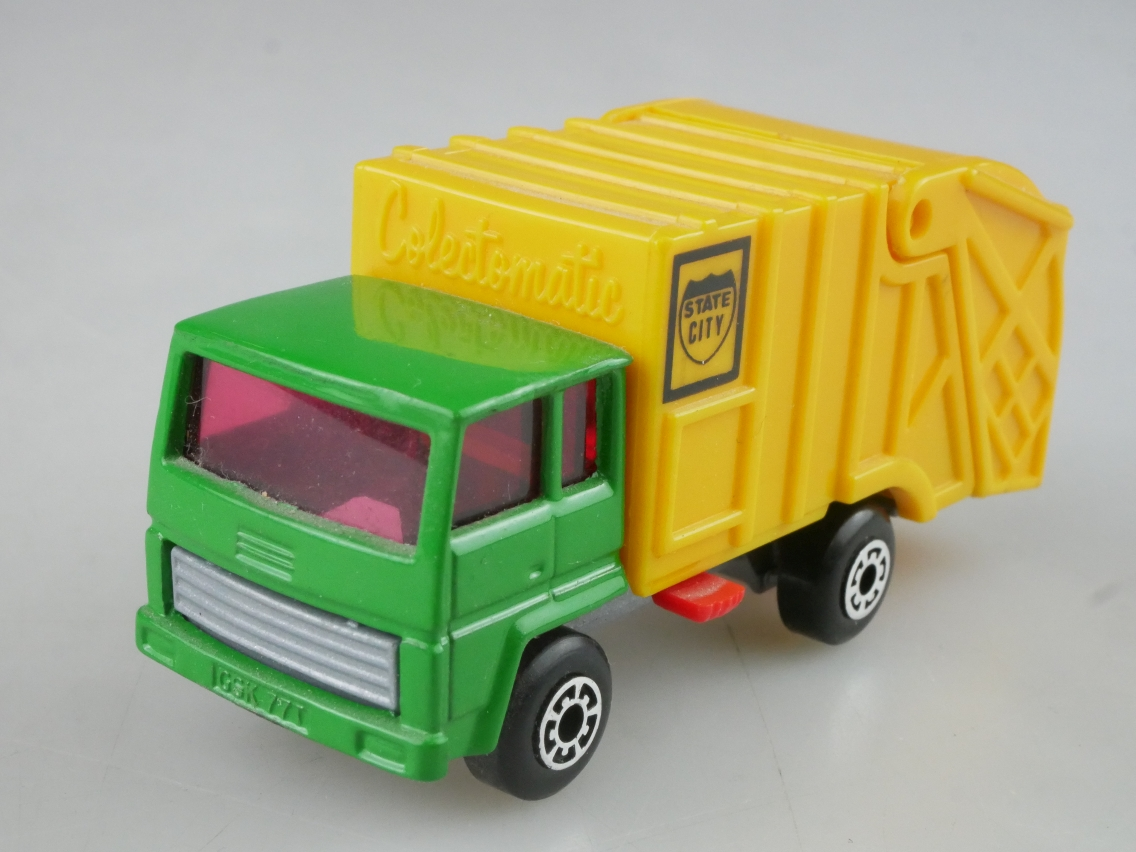 Refuse Truck grün (36-D) - 65026
