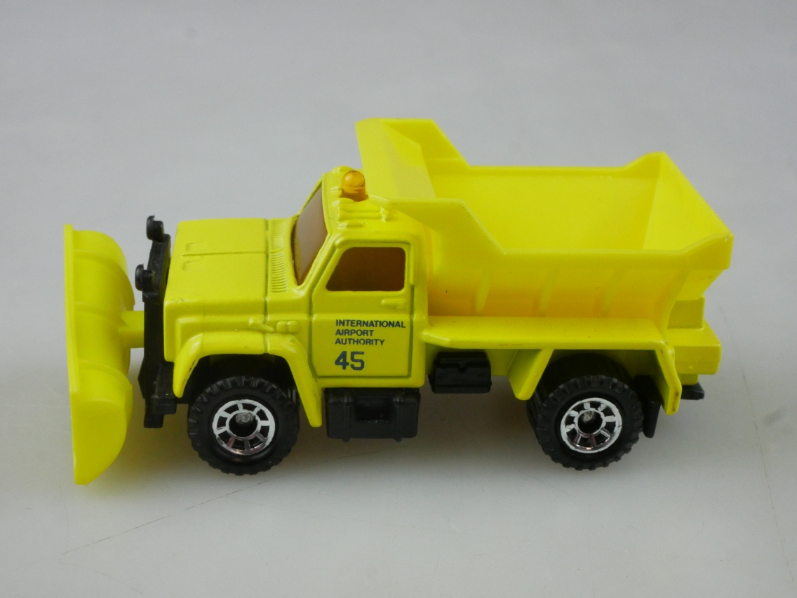 Highway Maintenance Truck Snow Plow (45-E/69-G) - 65118