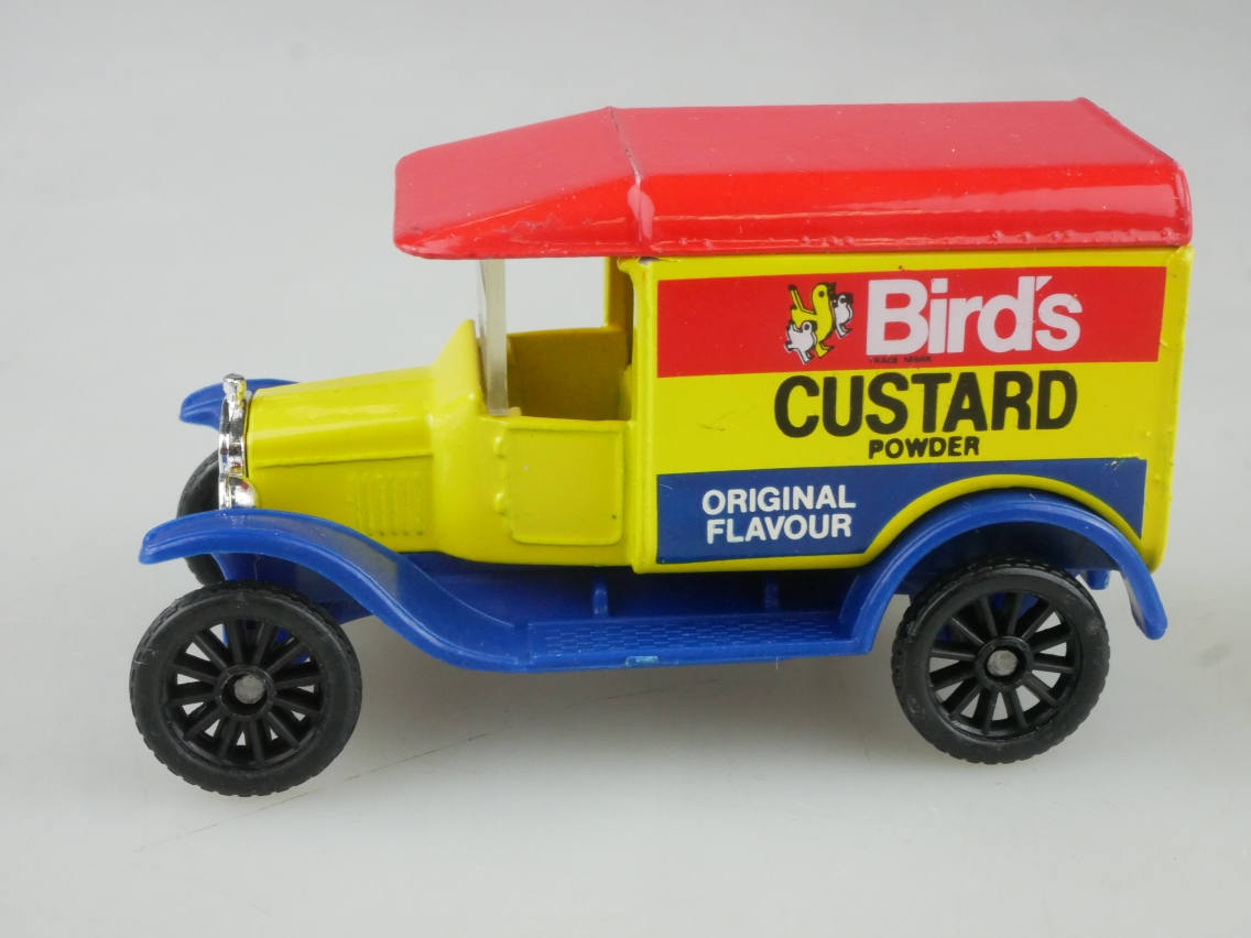 Ford 1921 Model 'T' Van Bird's (44-H) - 65255