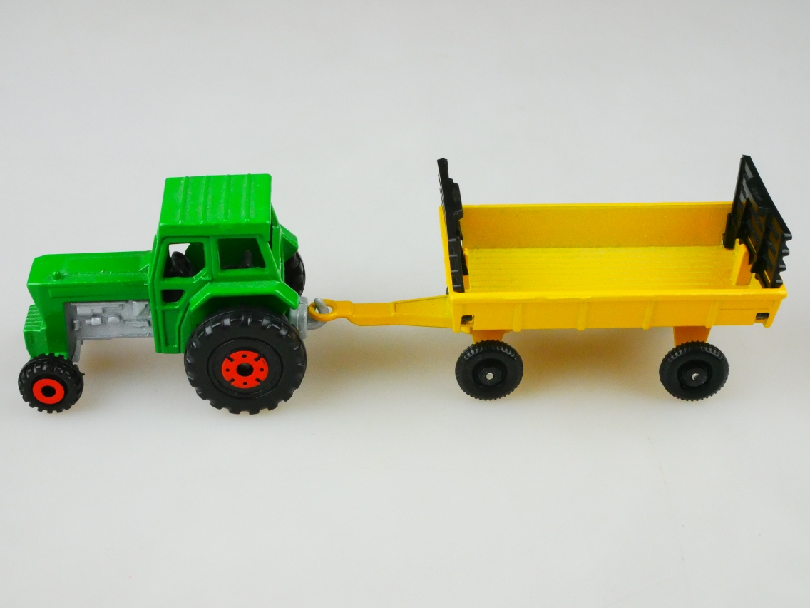 TP-108 Ford Tractor & Trailer - 69007