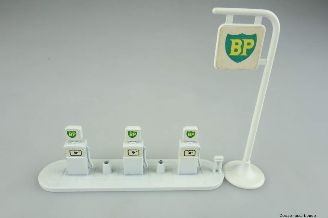 A-1B BP Pumps and Sign - 90385