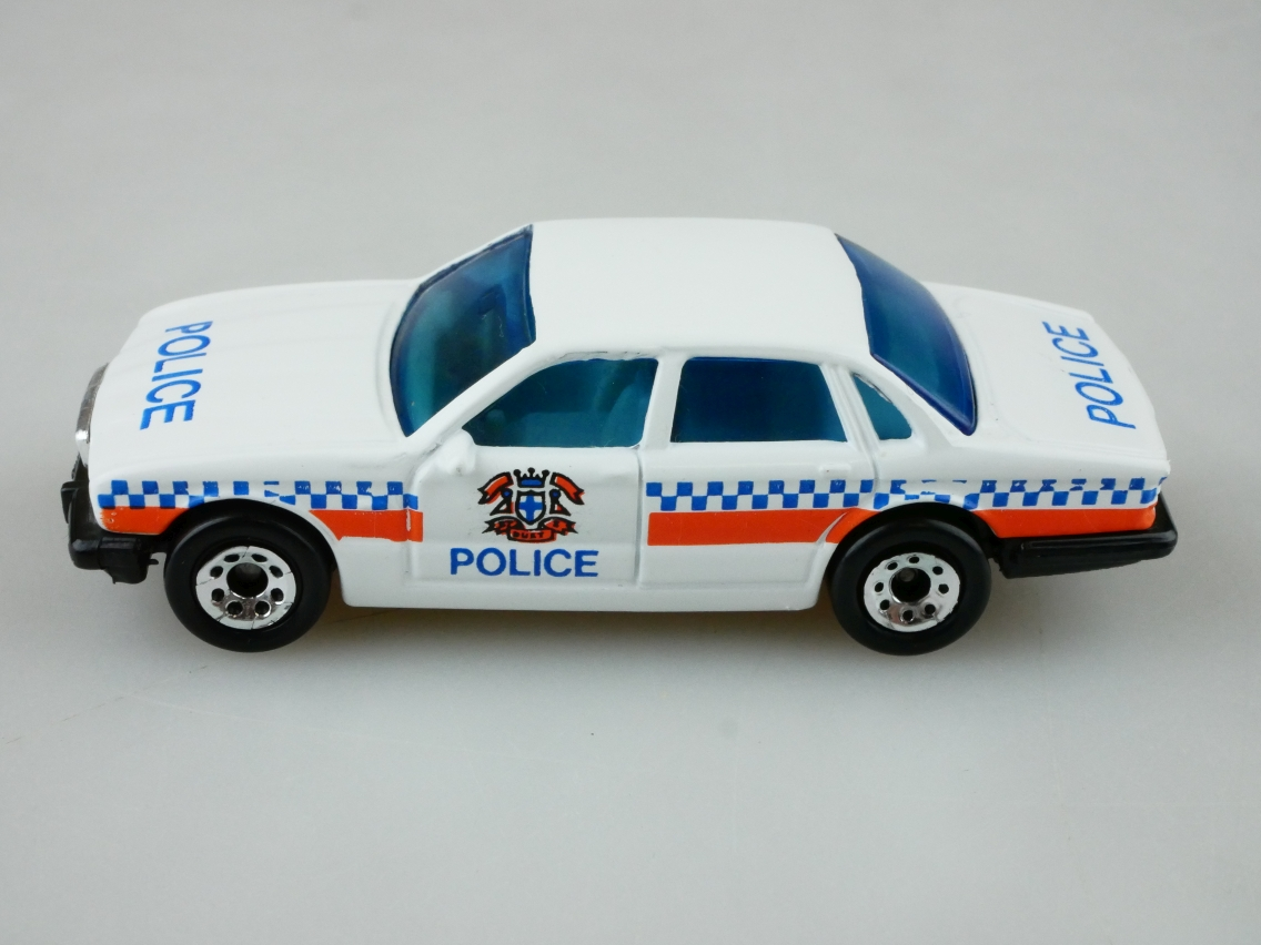 Jaguar XJ6 Police (41-F/01-E) - 95104
