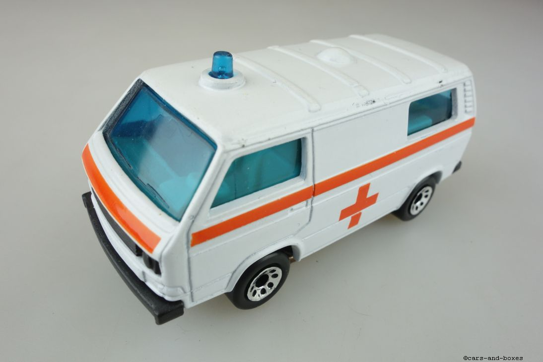Volkswagen VW Transporter Ambulance (20-E) - 95348