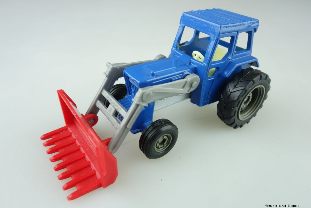 Ford Tractor with Shovel MB 236) - 95569