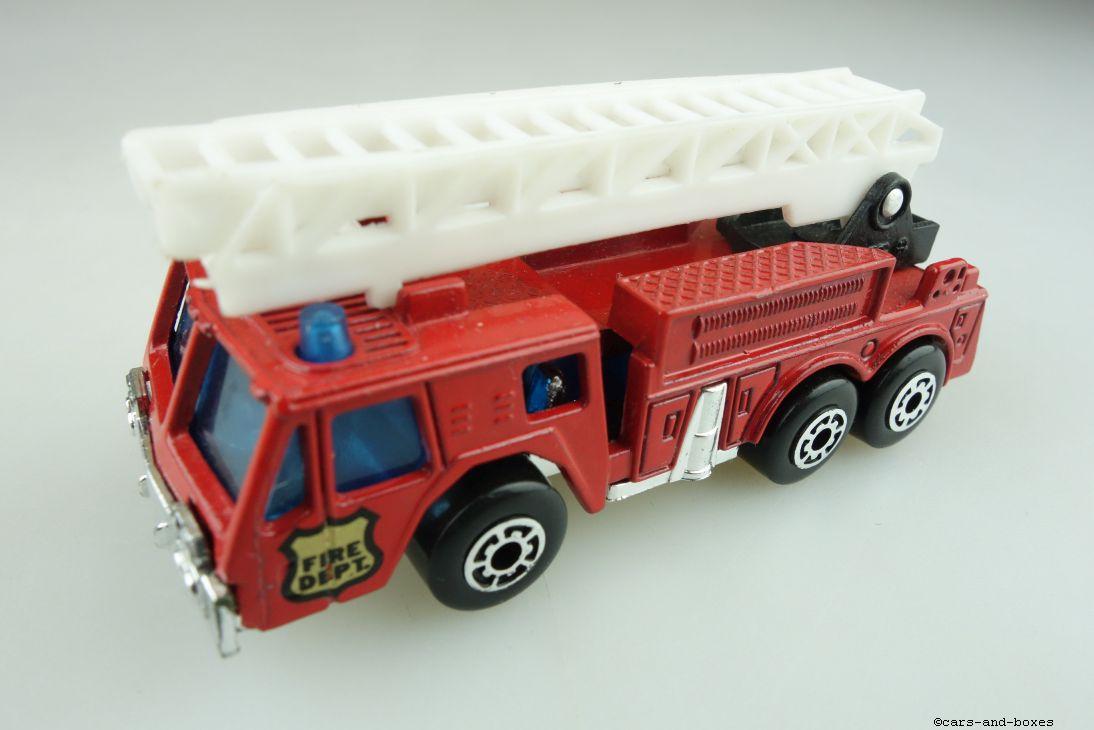Extending Ladder Fire Engine (18-C) - 95618