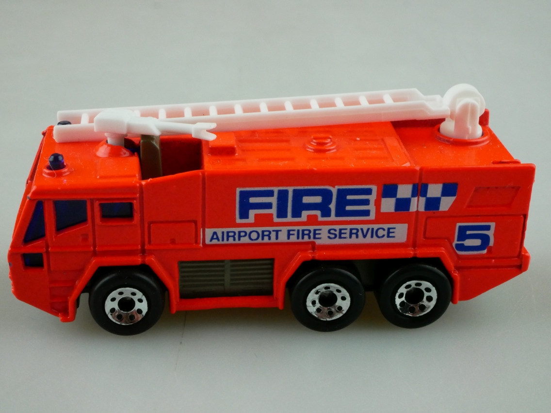Airport Fire Tender Truck (08-I/24-I) - 95940