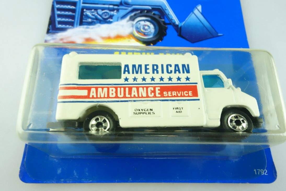 Ambulance Hot Wheels Mattel 1792 GMC Malaysia mint blue card MOC 1:64 104517