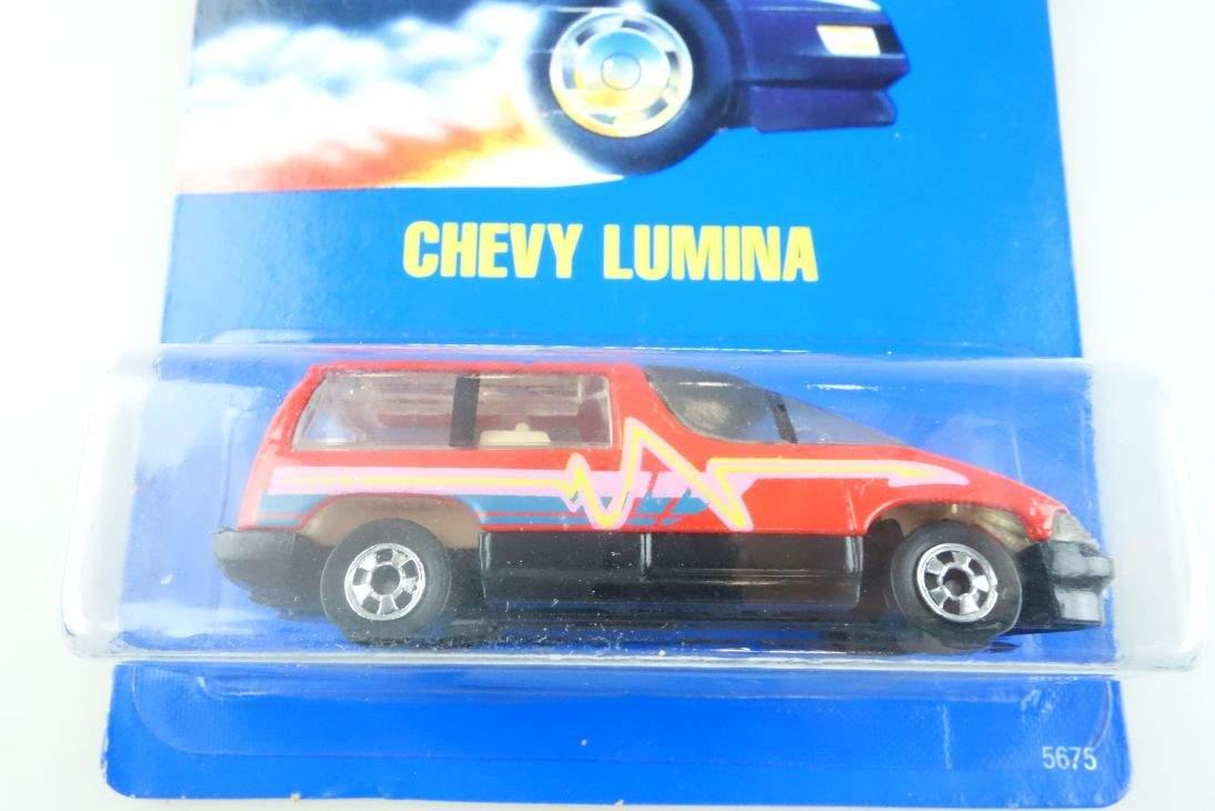 Chevy Lumina Hot Wheels Mattel 5675 Malaysia mint blue card MOC 1:64 104521