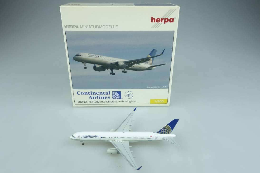 Herpa 561822 Boeing 757-200 Continental Airlines Flugzeug air plane 1:400 104640