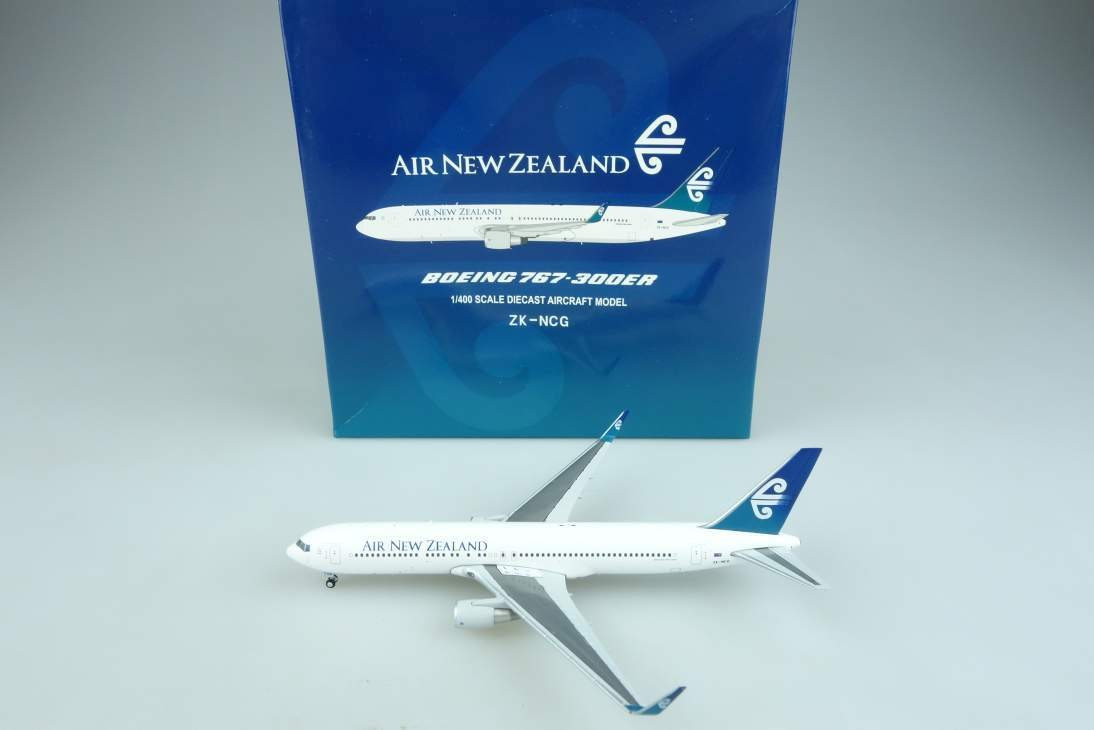 JC Wings LH4037 Boeing 767-300ER Air New Zealand Flugzeug air plane 1:400 104641