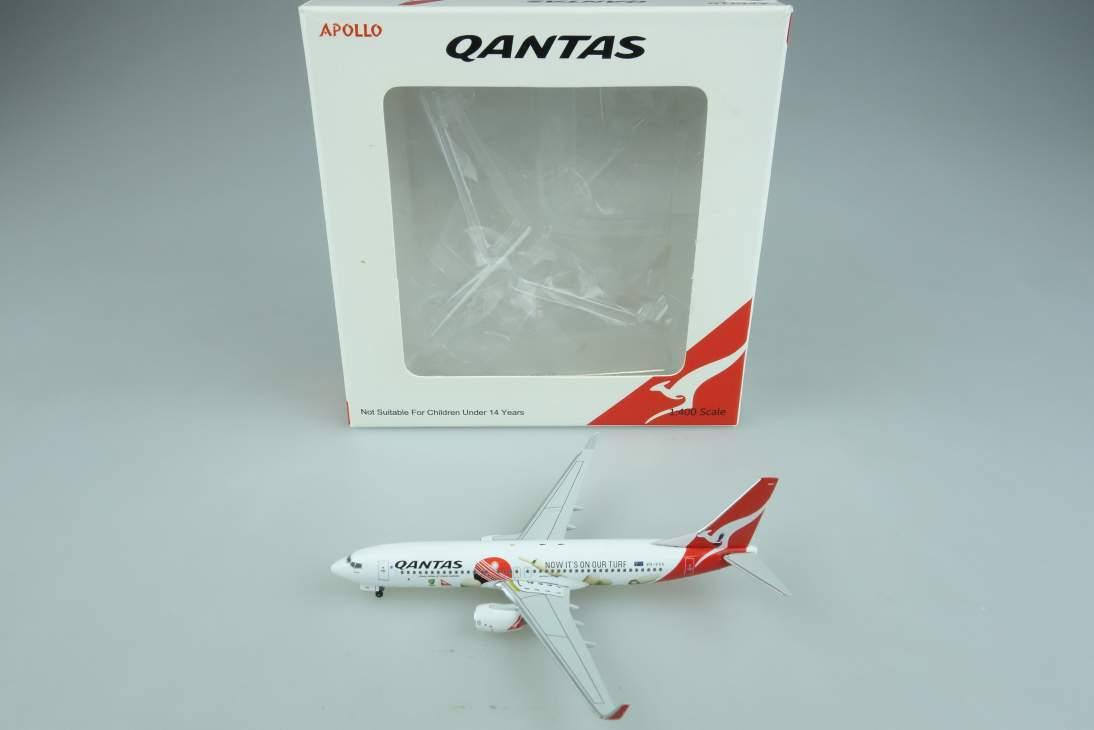 Apollo A13075 Boeing 737 Qantas VH-VXA Flugzeug air plane 1:400 104648