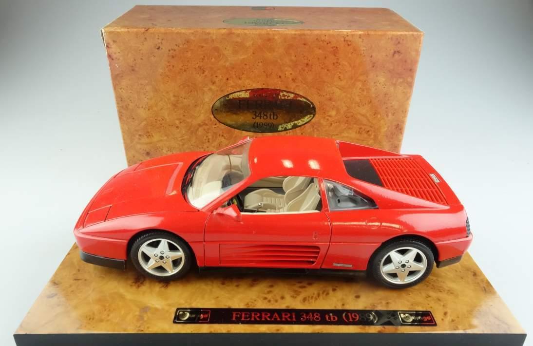 Bburago # 3739 Ferrari 348 tb 1989 auf Holzsockel rot + Box 1:18 Italy 104124