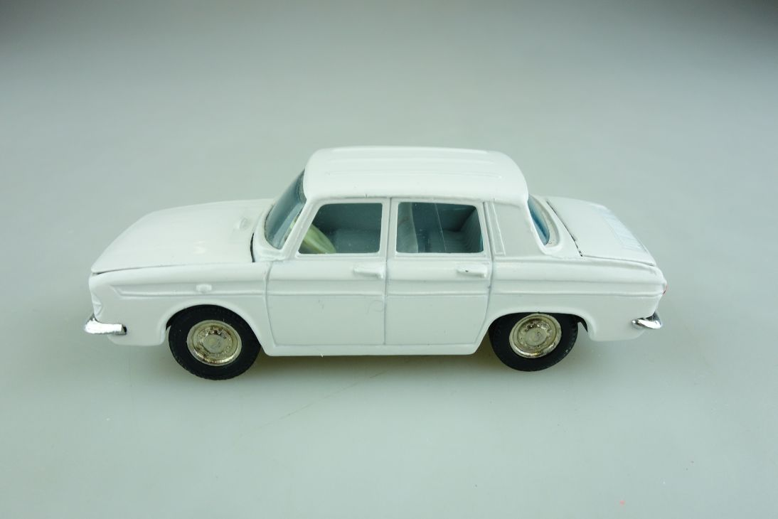 104 Joal 1/43 made in Spain Renault R 10 mint weiß ohne Box 507855