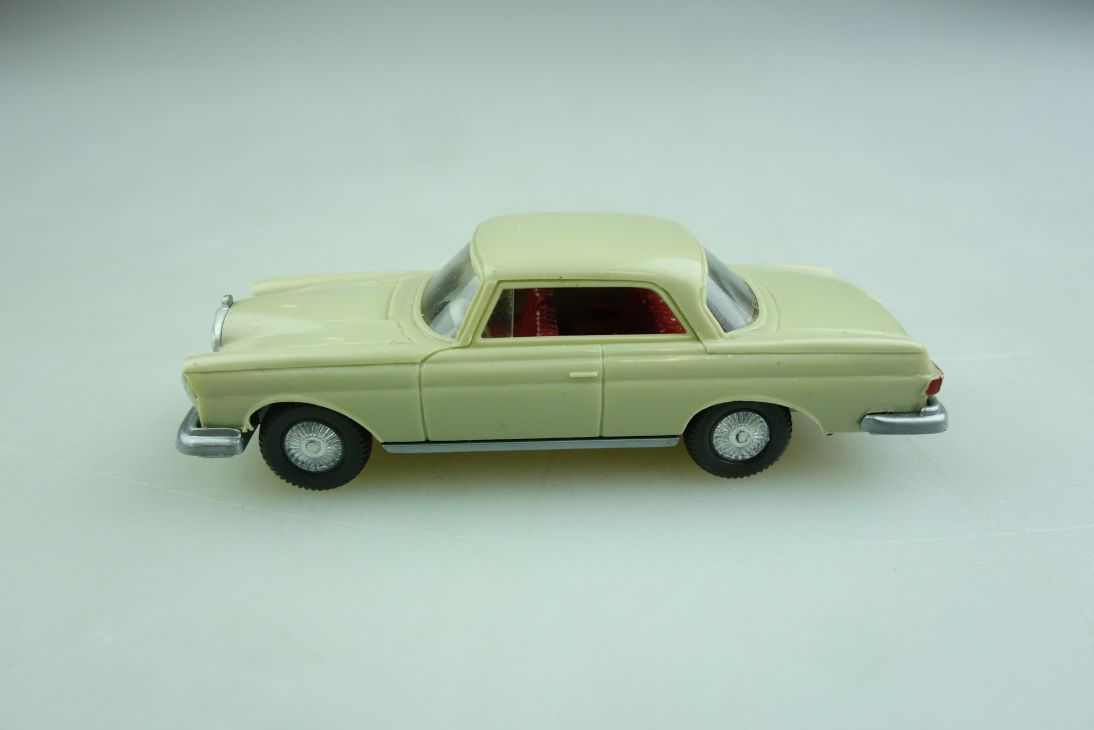 Saure 383 Wiking 1/87 Mercedes Benz 250 Hardtop Coupe gelbgrau ohne Box 508430
